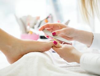Jessica Pedicure - nail filing