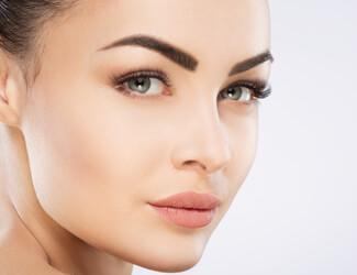 Hot Wax eyebrow shape - perfectly shaped eyebrows