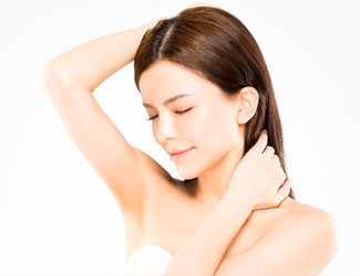 Smooth underarms waxing treatment