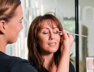Jane Iredale natural make up application